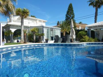 Property-for-sale-in-Cabo-Roig