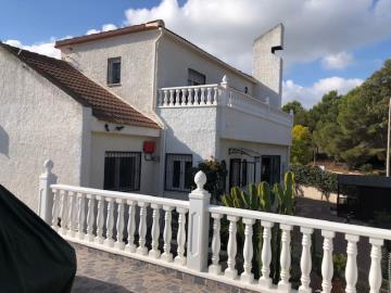 Villa-for-sale-in-San-Miguel-De-Salinas--2-