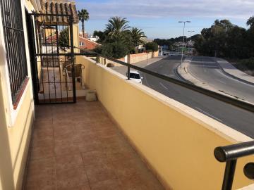 Property-for-sale-in-Villamartin-12