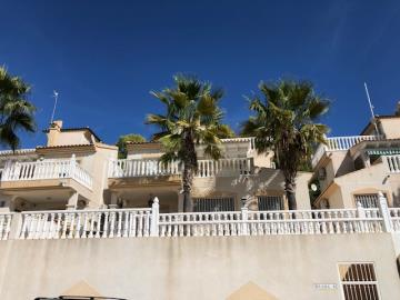 Property-for-sale-in-Villamartin--9-