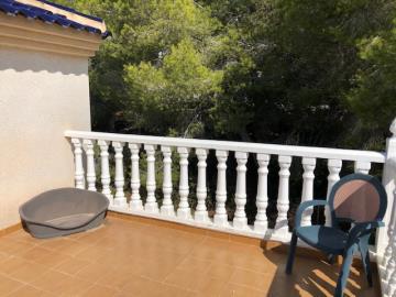 Property-for-sale-in-Villamartin--8-