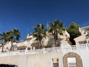Property-for-sale-in-Villamartin--12-