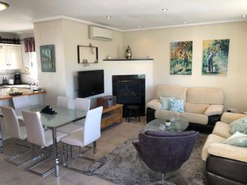 Property-for-sale-in-Villamartin-03