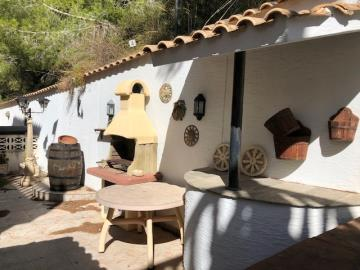 Property-for-sale-in-Villamartin-11