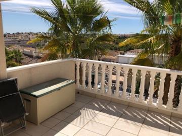 Property-for-sale-in-Villamartin-14