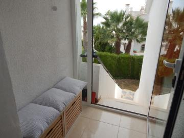 Property-for-sale-in-Villamartin-16