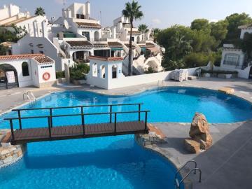 Property-for-sale-in-Villamartin-02