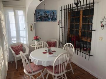 Property-for-sale-in-Villamartin-18