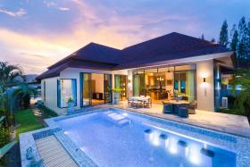Hin Lek Fai, Villa