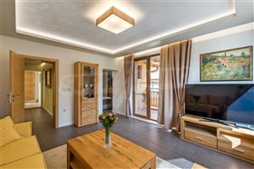 Image No.8-6 Bed Townhouse for sale