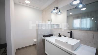 8-Master-Bathroom