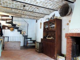 Image No.1-4 Bed Cottage for sale