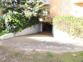 Image No.27-5 Bed Property for sale