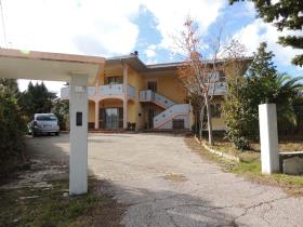 Image No.3-5 Bed Property for sale