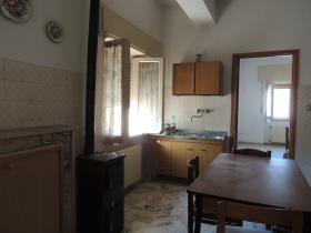 Image No.12-2 Bed Villa / Detached for sale