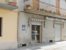 Image No.0-Commercial à vendre à Torre de'Passeri