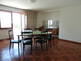 Image No.8-Chalet de 4 chambres à vendre à Caramanico Terme