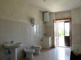 Image No.10-Chalet de 4 chambres à vendre à Caramanico Terme