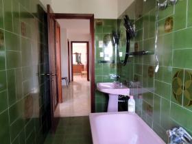 Image No.11-Chalet de 4 chambres à vendre à Caramanico Terme