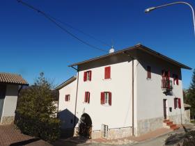Image No.1-Maison de 3 chambres à vendre à Caramanico Terme