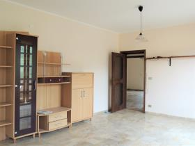 Image No.35-3 Bed Apartment for sale