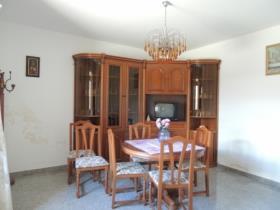 Image No.4-2 Bed Villa / Detached for sale