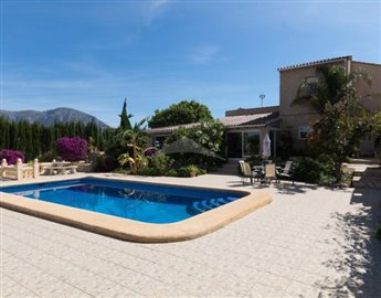 villasbuigues-propiedades591c2b84bb156-681x53