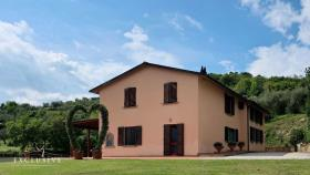 Image No.1-5 Bed Farmhouse for sale