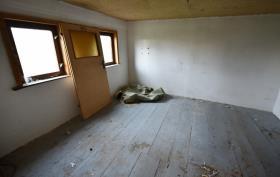 Image No.18-10 Bed Duplex for sale