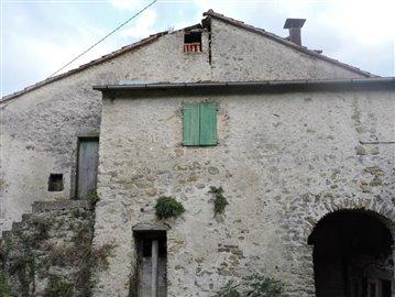AZ-Italian-Properties-Codiponte-Lunigiana--1-