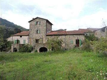 AZ-Italian-Properties-Codiponte-Lunigiana--12-