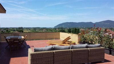1-bedroom-apartment-with-large-terrace-Luni-La-Spezia-Italy--2-