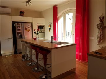 4-Bedroom-House-Ameglia--11-