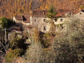 Casola in Lunigiana, Village House