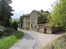 Image No.0-40 Bed Village House for sale