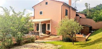 AZ-Italian-Properties-Sarzana-Semidetached--42-
