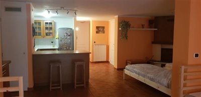 AZ-Italian-Properties-Sarzana-Semidetached-basement-area