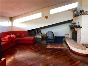 AZ-Italian-Properties-Villa-Luni-Liguria--25-