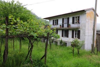 AZ-Italian-Properties-Guinadi-Pontremoli-for-sale--1-