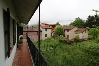 AZ-Italian-Properties-Guinadi-Pontremoli-for-sale--29-