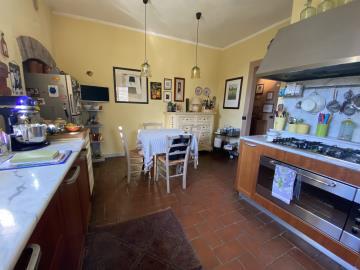 AZ-Italian-Properties-Liguria-Sarzana--15-
