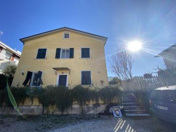AZ-Italian-Properties-Liguria-Sarzana--20-