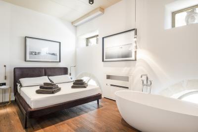 AZ-Italian-Properties-Luxury-Lighthouse-for-Sale-Italy--14-