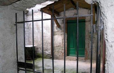 AZ-Italian-Properties-House-for-Sale-Lunigiana--11-