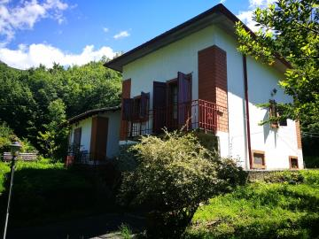 Villa-for-Sale-Lunigiana-Property-Italy