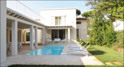 Luxury-Villa-with-pool-Versilia-Tuscany---AZ-Italian-Properties--18-