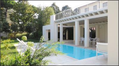 Luxury-Villa-with-pool-Versilia-Tuscany---AZ-Italian-Properties--27-