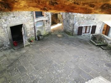 Group-of-Properties-for-Sale-Casola-Lunigiana---AZ-Italian-Properties--9-