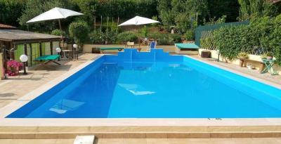 House-with-pool-Tuscany---16-