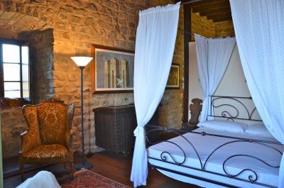 Castle-for-Sale-Italy-Lunigiana-Tuscany---AZ-Italian-Properties--14-
